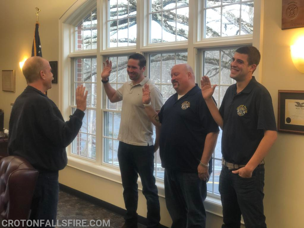 Commissioner D'Agostino administering the oath of office to the Chiefs. Left to right:  2071, 2072, 2073.
